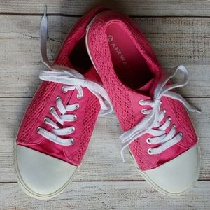 AIRWALK PINK LACE TENNOS SHOES SIZE 9